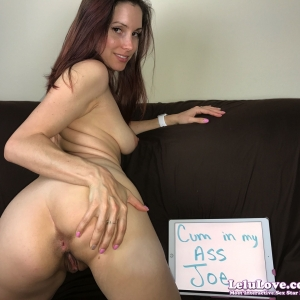 Member Pics And Fan Signs 77
