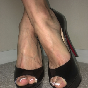 SET: French Tips Pedicure In High Heels